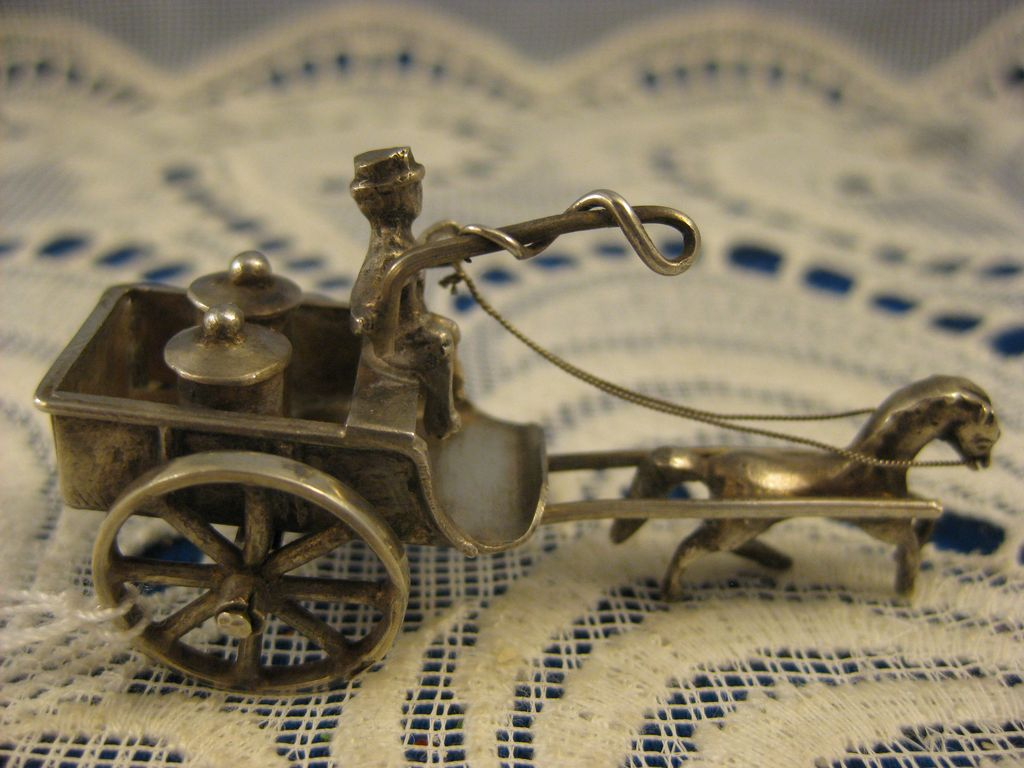 Dutch 830 Silver ~ Miniature Milk Wagon ~ Silver Horse