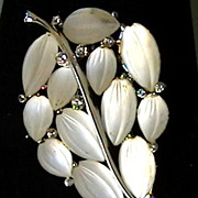 Vintage Brooch marked LISNER