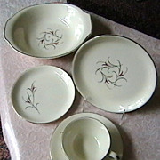 """Mid Century"" Dinnerware, 34 pieces"
