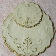 Vintage set of 12 Linen Doilies, Never Used