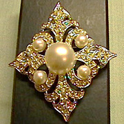 Beautiful Rhinestone and Faux Pearl Brooch