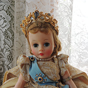 Madame Alexander Cissette Queen # 879 in Box