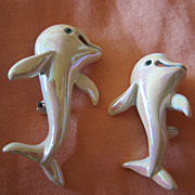 Flipper!  ** Adorable Pair of Dolphins White Iridescent Enamel