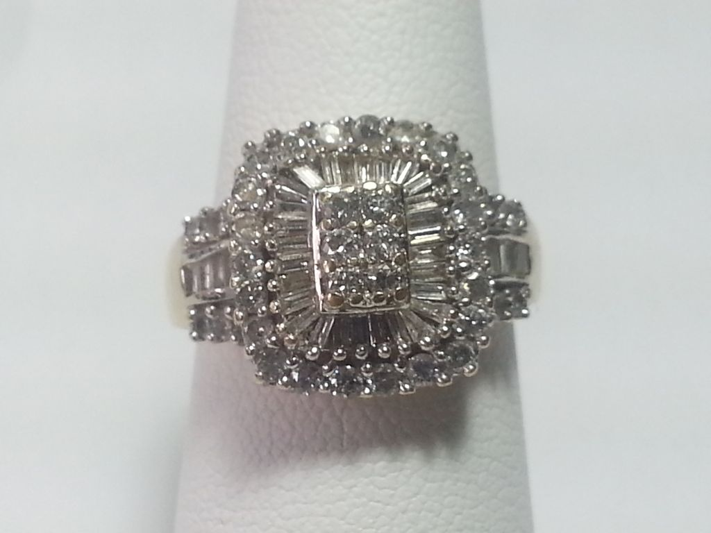 Stunning 14k Cluster Diamond Ring