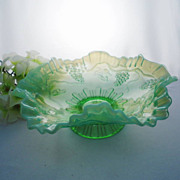 "Jefferson VINTAGE Ruffled Green Opalescent 8 1/4"" Bowl, ca 1905"