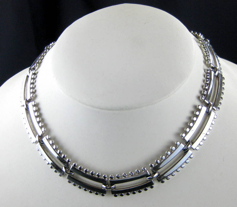 Monet Mod Vintage Silver Tone Link Necklace