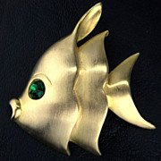 SALE Vintage Kissing Fish Brushed Gold Tone with Green Rhinestone Eye Pin/Brooch