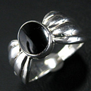 Sterling Silver Wide Ribbed Black Onyx Inlay Ring - Size 7