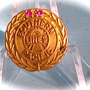 Southern Pacific Railroad Gold Service Pin
