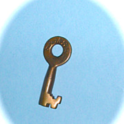 Lake Shore & Michigan Southern Railroad Tapered Barrel Switch Key.