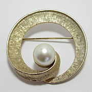Large Coro Gold-Tone Brooch With Faux Pearl