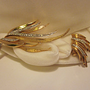 Beautiful Gold-Tone  Rhinestone Boucher Brooch & Earring Set