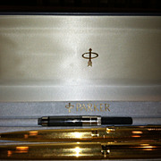 AT AUCTION Set of Vintage Parker 75 Pens Fountain and Ballpoint in Box Nib 18K