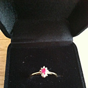 10 Karat Gold Red Gem and Diamond Chips Ring Size 7