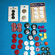 Lot of Vintage loose Buttons & some on Cards