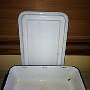 Large Enamelware Refrigerator Pan & Lid Navy Blue Trim