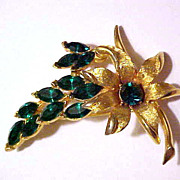 Awesome 1960's Gold Tone & Green Flower Brooch