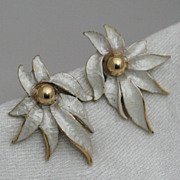 Celebrity White and Gold-tone Earring Stylized Flower with Gold Center