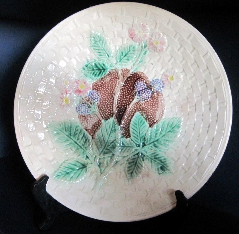 "Circa 19th Century Decorative Majolica Plate Blackberry 10 1/4"" Diameter"