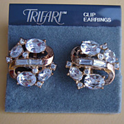 Crown Trifari Button Earrings with Clear Rhinestone Ovals Baguettes and Chatons