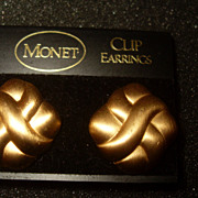 "Vintage ""Crossed Paths"" Monet Gold Tone Clip Earrings Original Card"