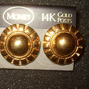 Vintage Sunflower Monet Brushed Gold Tone Clip Earrings on Original Card