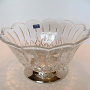Crystal/Glass Scalloped Top Fruit/Salad Bowl with Silver Pedestal Bottom