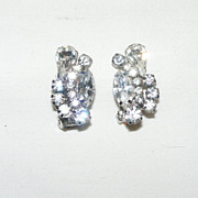 Vintage D&E Delizza & Elster Elegant Clear Rhinestone Clip Earrings