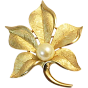 SALE Buttery Gold Tone Satin TEXTURIZED TRIFARI  Leaf Brooch Pin