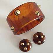 1960s Tortoise Plastic and Brass Stud Bangle and Earring Set