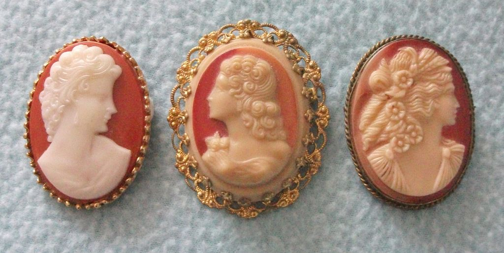 Job Lot of 3 Vintage Base Metal Mounted Cameo Brooches - Costume Jewellery!