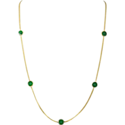 "Vintage 14k yellow gold green jade necklace 16"" chain."