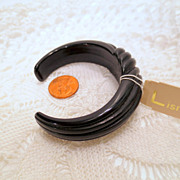 Vintage Designer Cuff Bracelet, With original Lisner Tag, Black Vintage jewelry New old stock 