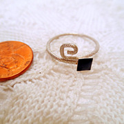 Vintage Black Glass Ring, Sterling Silver 925 Delicate ring size 8.5 vintage jewellery