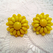 Vintage Cluster Earrings, yellow Glass flower Clip ons Vintage Jewelry Clip on Earrings Signed