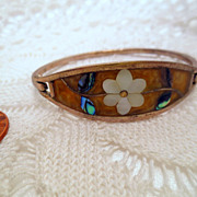 Vintage flower Hinged Bangle Bracelet, Signed Alpaca mexico pua shell or abalone Yellow white