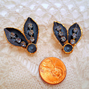 Vintage Blue Earrings, Rhinestones and Enamel clip ons Vintage jewelry costume jewellery Leave