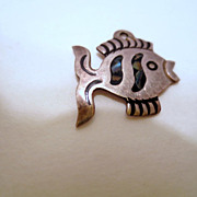Vintage Fish Charm , 925 Sterling Silver Mexico, Vintage Bracelet Charm, Fish with Pua shell,