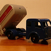 Matchbox #15c - Tippax Refuse Collector - ca. 1964-67