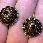 SALE Vintage Ruby Red Rhinestone Screwback Cluster Earrings