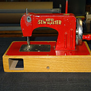 KAYanEE Sew Master Childs Sewing Machine