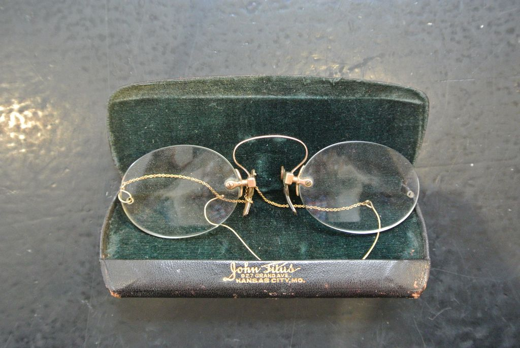 Antique Pince-Nez C Bridge Eyeglasses
