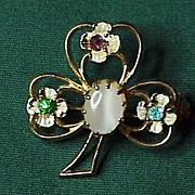 A vintage Lucky Cloverleaf shaped pin!
