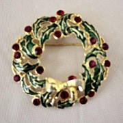 Eisenberg Ice Gold Base Christmas Wreath Brooch