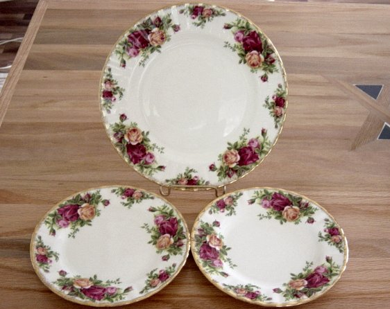 Royal Albert Old Country Roses Plates