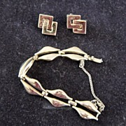 Monet Gold Plate Link Bracelet And Earrings
