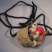 Razza Necklace / Cat In Basket with Yarn