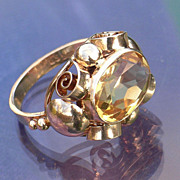 Fabulous Design 14K Late Deco / Retro Golden Citrine Ring