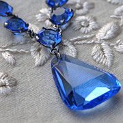 Beautiful Azure Blue Art Deco Faceted Crystal Pendant Necklace
