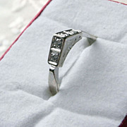 Unusual 15K White & Yellow Gold Art Deco Diamond Ring